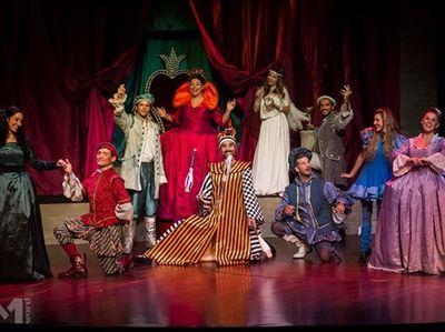 «Ακροβάτες της τύχης» στο Γυάλινο Μουσικό Θέατρο