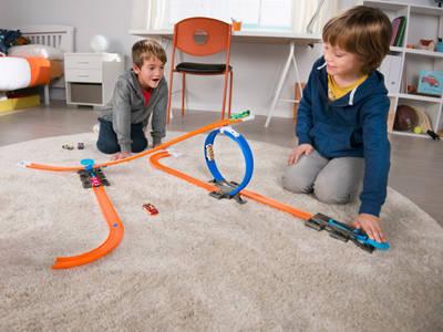 Κερδίστε πίστες και αξεσουάρ Hot Wheels Track Builder!