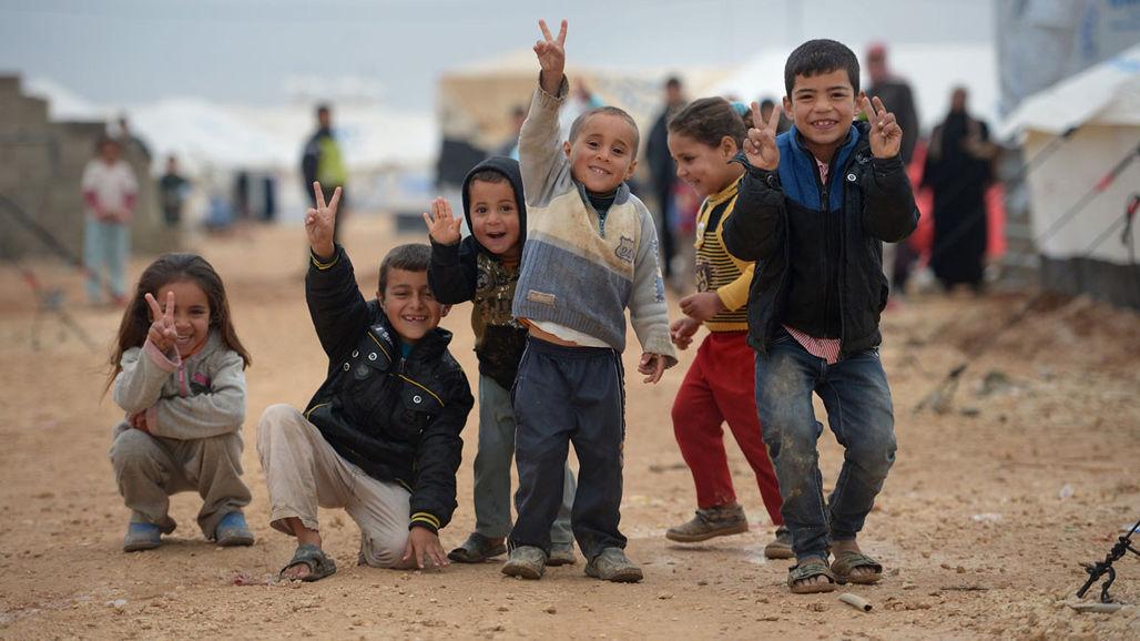 Δες πώς μπορείς να βοηθήσεις τους πρόσφυγες. Υπάρχουν παιδιά που σε έχουν ανάγκη.